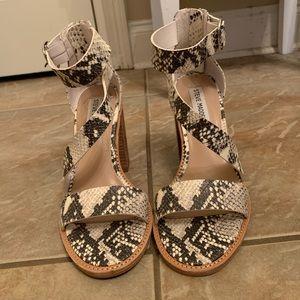 Steve Madden Shoes - Steve madden snake skin heels